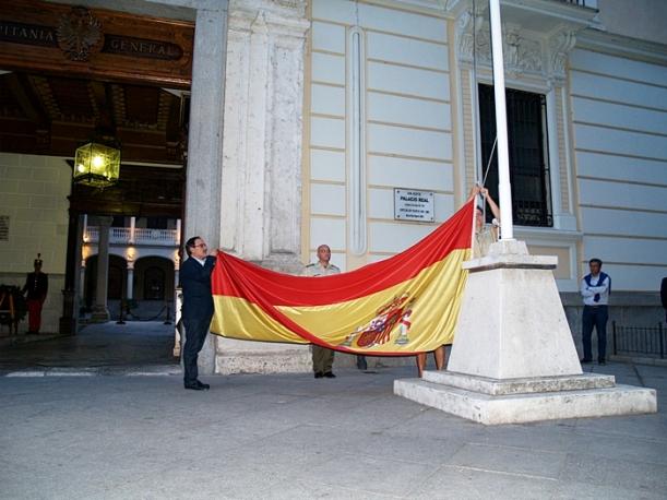 San Juan de Dios arriado de bandera Palacio Real